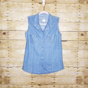 Levis Chambray Sleeveless Button Down Vest Shirt